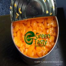 Nuevos segmentos de naranja en conserva de cultivos en almíbar ligero
