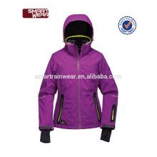 Mulheres personalizadas impermeáveis do revestimento de esqui do revestimento do poliéster do OEM
