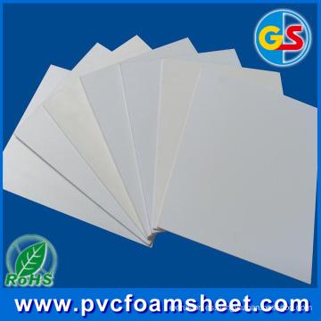 Certificación RoHS sin plomo Hoja de espuma de PVC para uso de muebles y gabinetes (grosor popular: 18 mm)