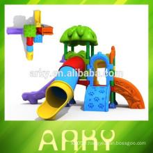 2015 park play slide outdoor garden kids plastic slide vente chaude KFC play structure