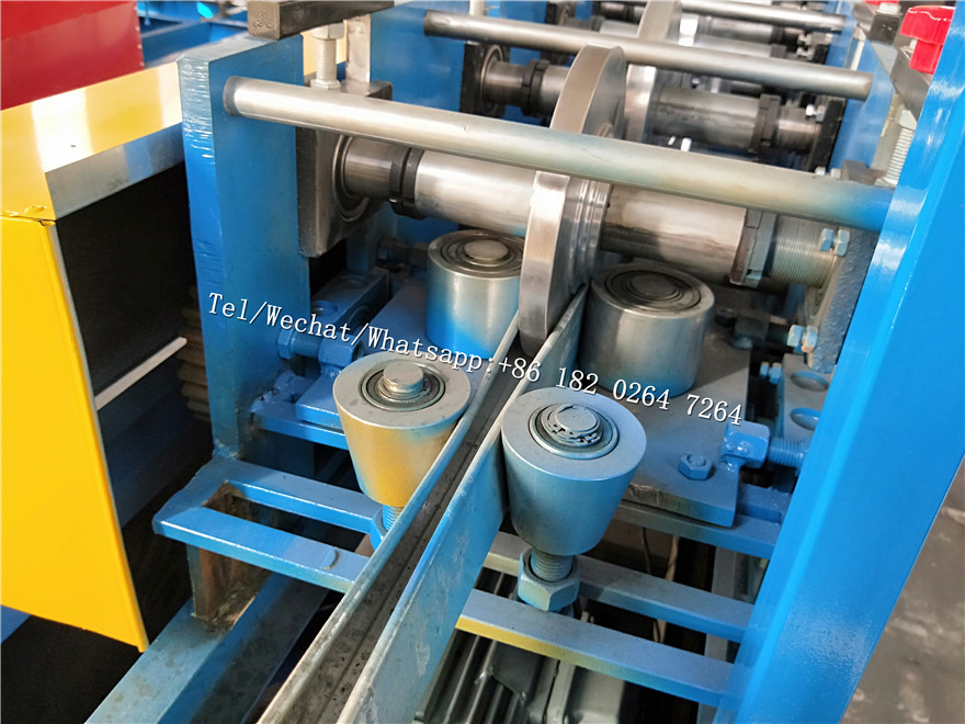 U rail profile guide channel roll forming machine