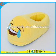 Hot Sell Novelty DesignSmile Cry Plush Emoji Slipper with Heel
