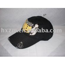 fashion black baseball cap with applique embrodiery in 100% cotton