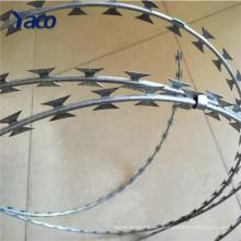 25 toneladas de alambre de púas de afeitar precio con alambre galvanizado en caliente y placa