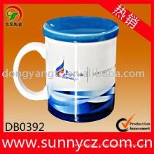 Tasse en céramique en gros directe d'usine avec couvercle