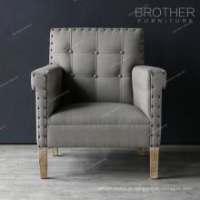 Novo modelo de sala de estar a perna de madeira tufting voltar cadeira de tecido