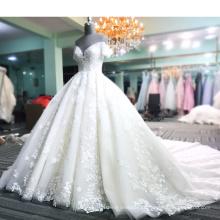 2018 Robes de mariée paillettes de robes de mariée paillettes en cristal avec long train
