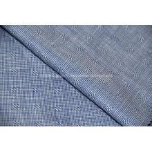 Tissu en soie et lin mélangés à la laine peignée