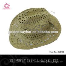 Chapeau de soleil de cowboy de paille à chaud