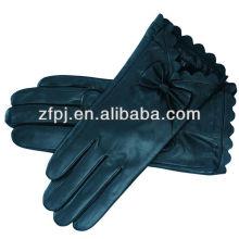 Faire des gants en cuir pour conduite à l'hiver