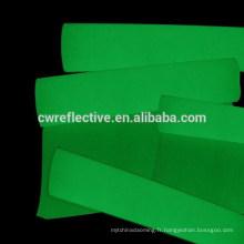 lueur acrylique haute visible dans le papier autocollant sombre