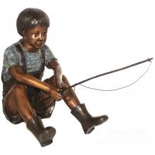 China-Hersteller-lebensgroße Bronze, die Gartenstatuen des kleinen Jungen für Gartendekoration fischt