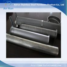 Pipe métallique perforée comme partie filtrante