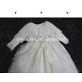 Neue Designs Baby Taufe Kleider Muster mit Hüten und Ärmeln Baby Mädchen Geburtstag Kleider