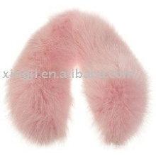 Gola de pele de raposa rosa