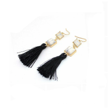2018 tendencia al por mayor nuevo modelo de diseño perla moda pendiente, negro borla larga howlite zirconia oro moda pendiente