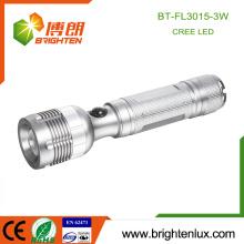Fuente de la fábrica OEM 3watt Cree material de aluminio Luz blanca Mano llevada a cabo mejor haz ajustable de alta potencia llevó linterna