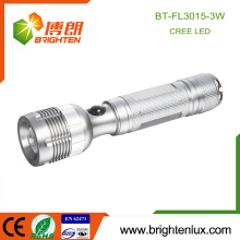 Factory Hot Sale Emergency Silver Color 3 * AAA battery Dimmer à zoom en aluminium usagé Long Beam 3W Cree led Torch Light