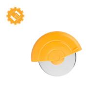 Vente chaude usine prix pizza roue et cutter en acier inoxydable avec couvercle de protection en plastique