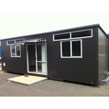 Pequena casa pré-fabricada exportada para a Nova Zelândia