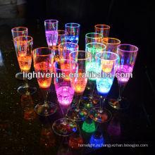 Светодиодные освещенной жидкого активных пластиковых вина стекла