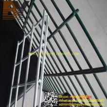 PVC-überzogener doppelter Draht-Ineinander greifen-Zaun
