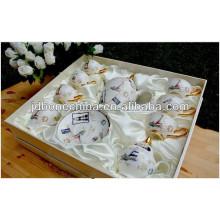 Nuevo año de porcelana hueso China café té set polyfoam seda decoración de Navidad caja de regalo