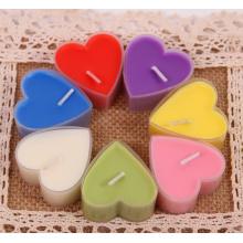 Vela colorida do tealight da forma do coração para a decoração
