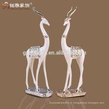 Arrière-plan de la table à la maison Figure d'antilope de résine résistante de haute qualité