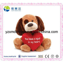 Perro Sentado Plush con corazón de amor