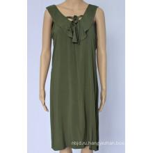 Женское повседневное платье с воланом на шее