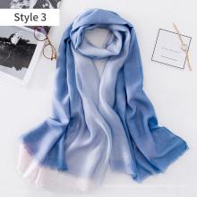 2017 Chine en gros léger long filamentaire argent dip-dye mélange de soie écharpe châle femmes foulard en soie