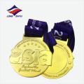 Médaille en métal doré d'argent en gros avec ruban