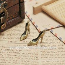 Schuhe mit hohen Absätzen Dekoration/Anhänger für den Großhandel