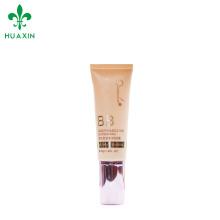 Manipulación de la superficie de estampado en caliente y tubo cosmético de color crema tipo BB