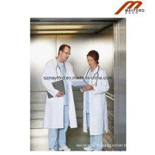 Ascenseur de lit de grand espace avec le patient médical