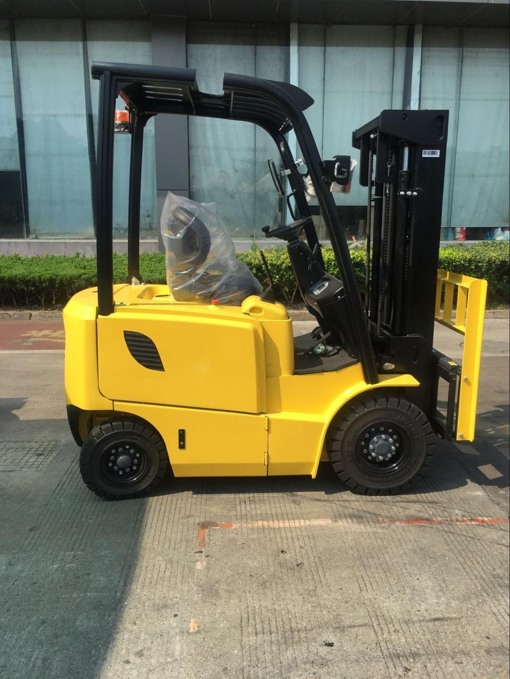 Light Yellow Electric Forklift