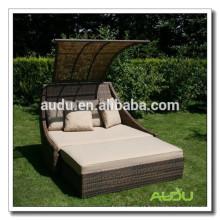 Audu Large Hotel Or Inn Wicker Massage Lounger