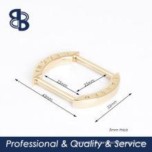 Anel de retângulo com logotipo personalizado
