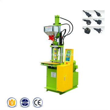 Machine de moulage par injection de plastique de connecteur standard