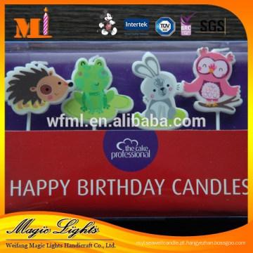 Bolo de aniversário de cera em forma de velas com matéria-prima eco-friendly
