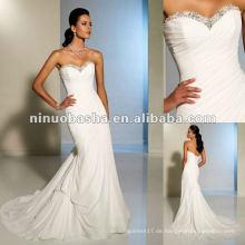 Eine einfache A-Linie Silhouette mit einem Twist in Whisper Chiffon Brautkleid