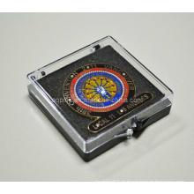 Boîte cadeau en plastique avec émail Badge