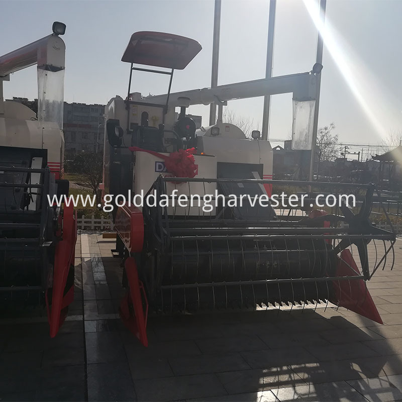 feeding volume 5kg/s rice combine harvesting with ac
