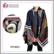 La moda 2016 de la geometría colorida Bohemia imita el chal de la bufanda de la cachemira