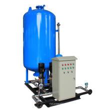 Dispositivo de pressurização de água de maquilhagem