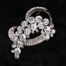 New hot Girl Gift Wholesale Pretty Clear crystal Flower Alloy Brooches Jewelry Big Rhinestone Brooches Pins wholesale
