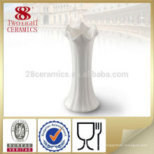 vase à fleur d'albâtre blanc français