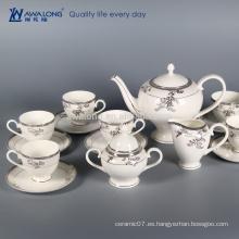 Juego de café turco de la venta caliente del diseño elegante, taza de café de China del hueso fijada