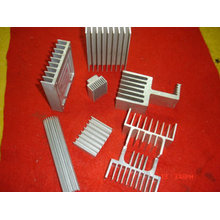 Kühler in unterschiedlicher Form und Oberflächenbehandlung